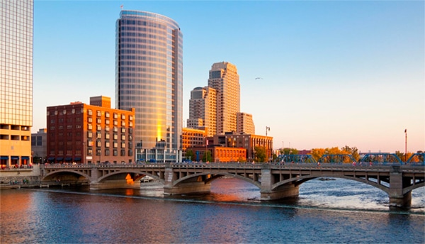 Dentist Grand Rapids MI